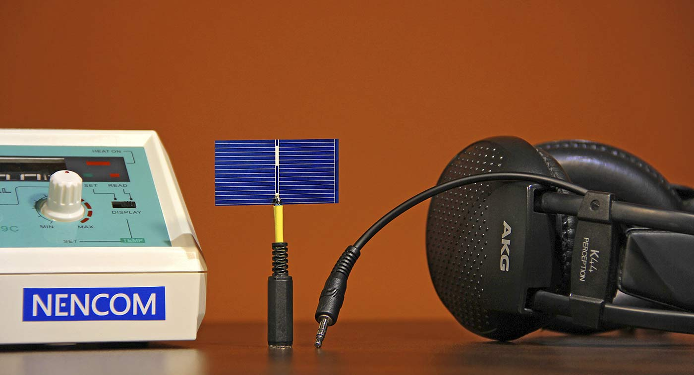 Solar cell instead of a microphone
