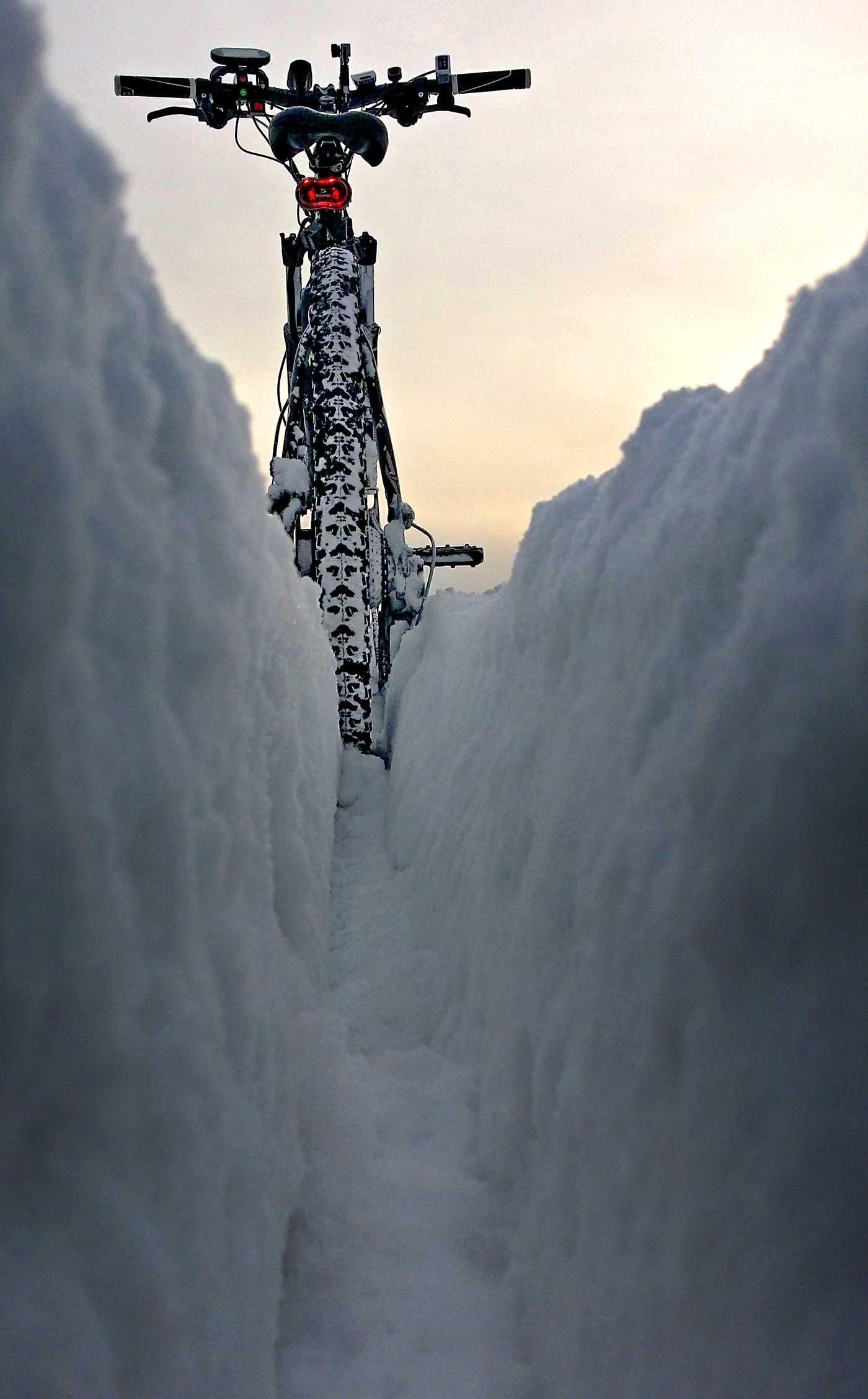 NENCOM Bike в дълбок сняг