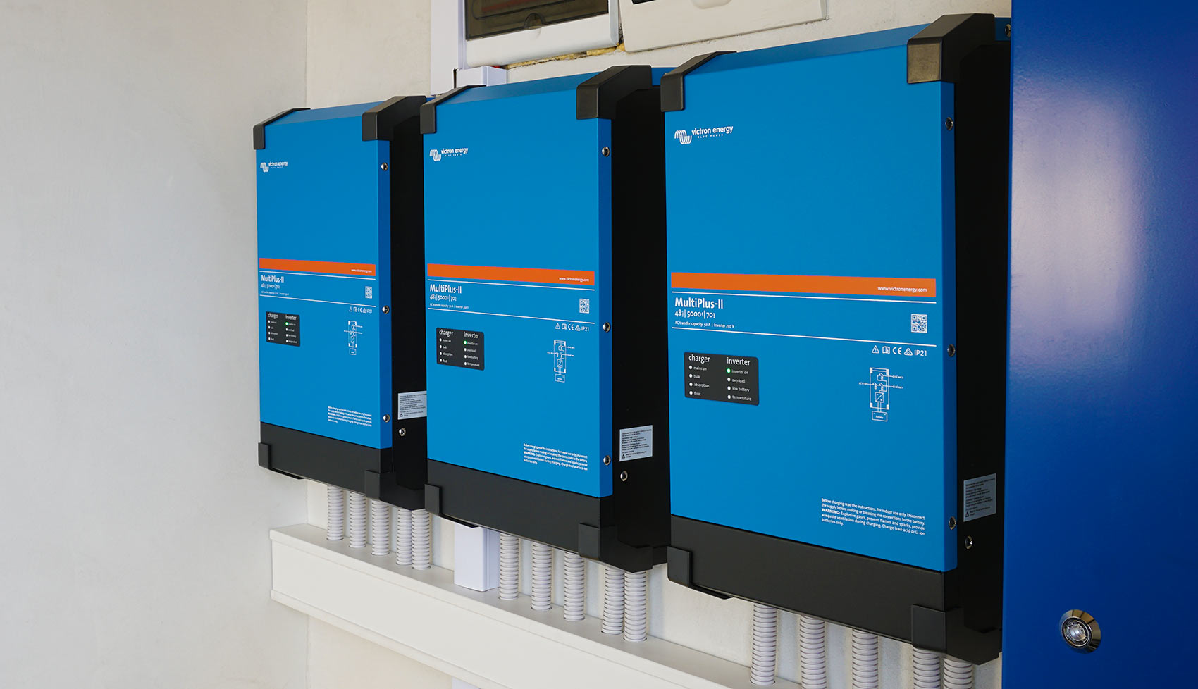 Victron Energy MultiPlus-II inverters in a autonomic system
