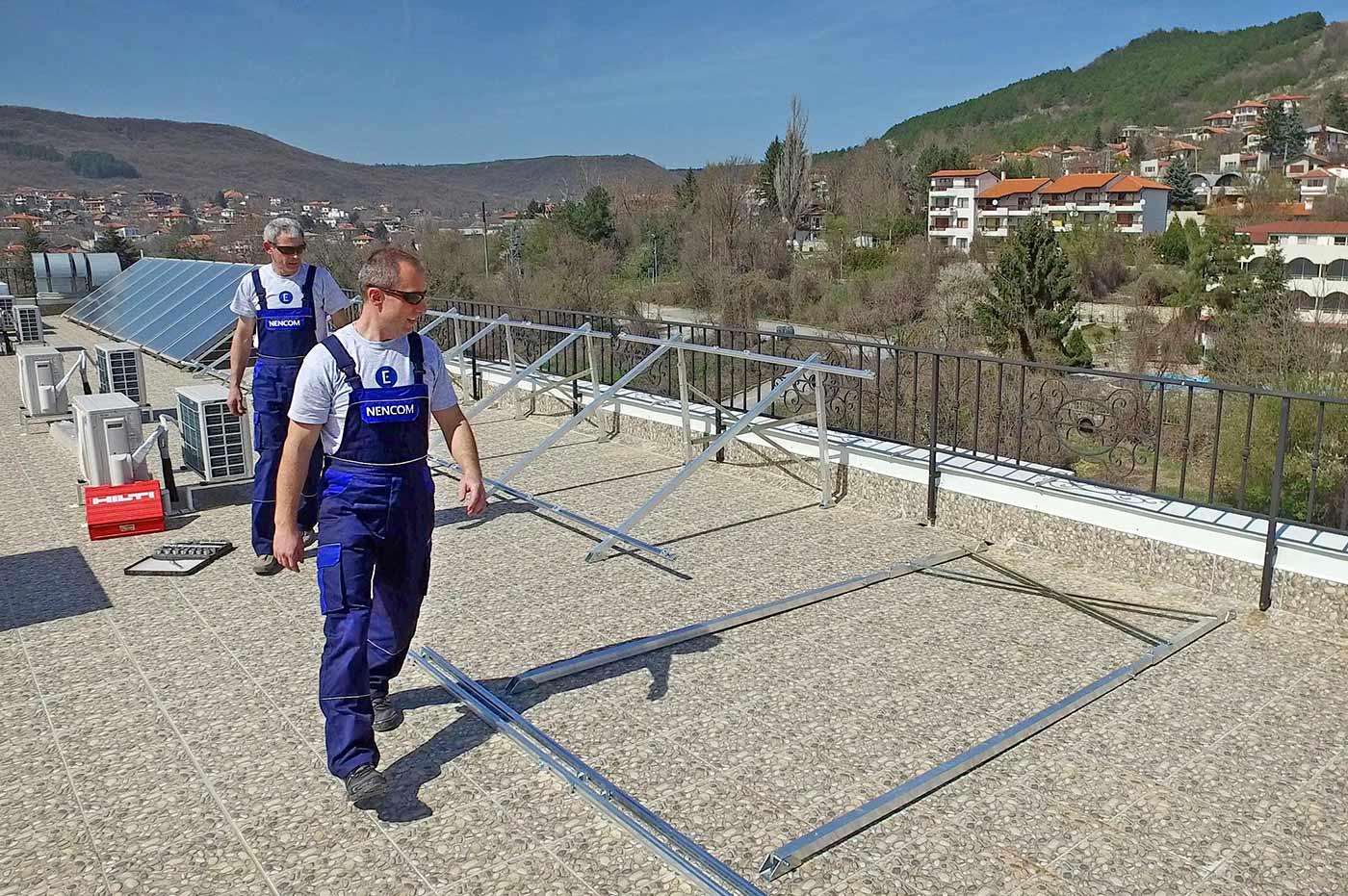 Монтаж на стойки за слънчеви колектори
