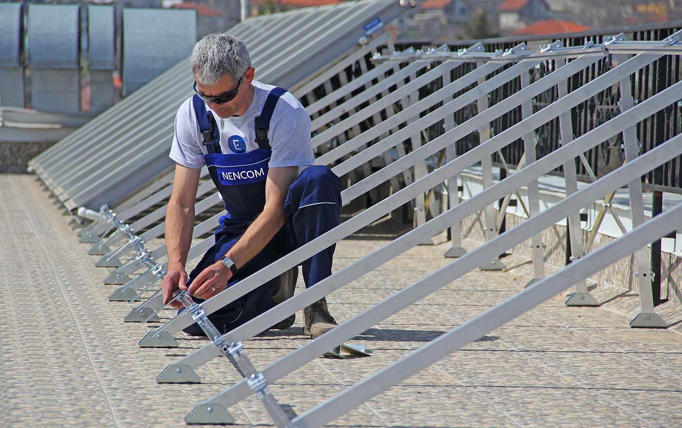 Сглобяваме стойки за слънчеви колектори