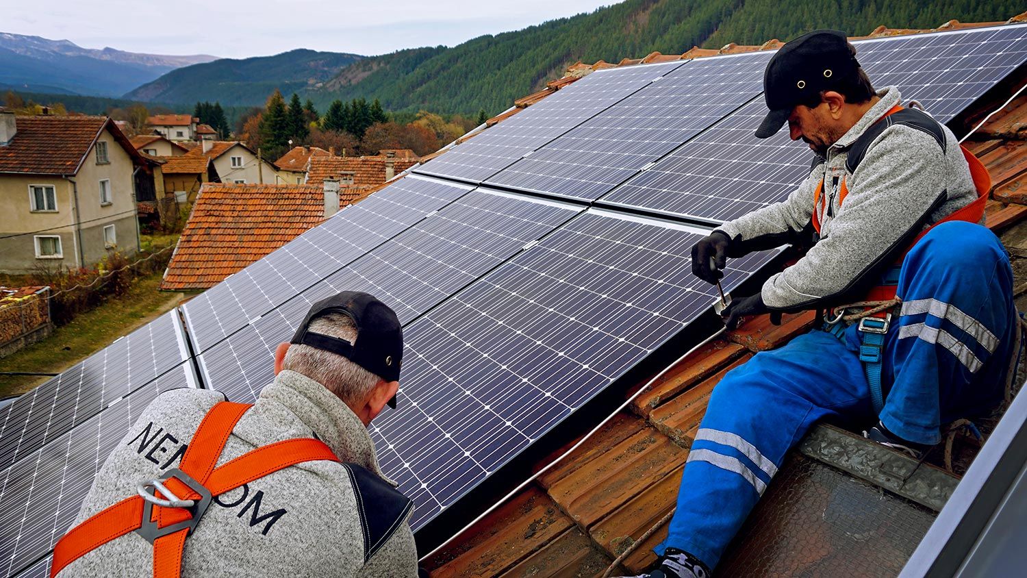 Installation of photovoltaic panels for solar power system